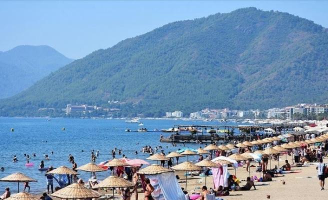 Antalya'ya Rus turist akını başladı