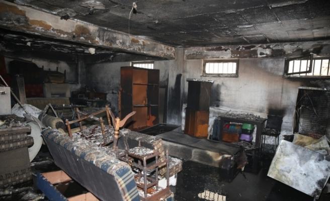 Apartman deposundaki yangında maddi hasar oluştu