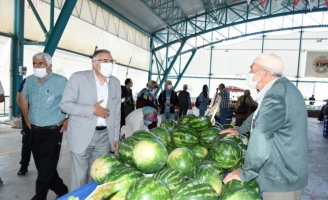 Başkan Bozkurt, pazarcıları dinledi