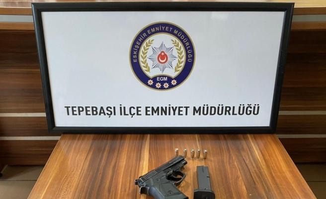 Kurusıkıdan bozma tabancayla polis uygulama noktasında yakalandı