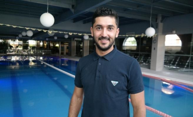 Aylardır faaliyet göstermeyen kapalı yüzme havuzları açıldı