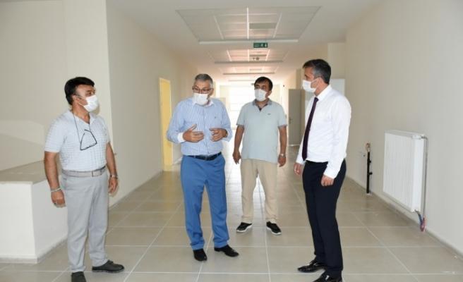 İnönü'deki yeni okul binası ve kapalı spor salonu inşası tamamlandı