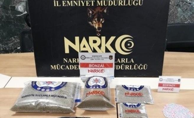 Uyuşturucu operasyonunda 4 kilogram bonzai ele geçirildi