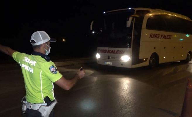 43 ilin geçiş güzergâhında gece yarısı 'otobüs' denetimi