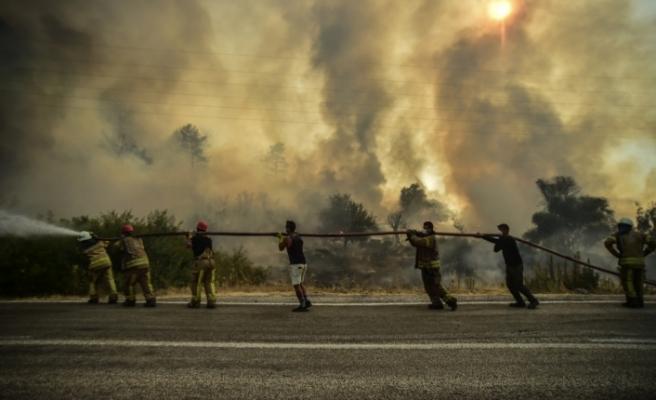 Bakan Bilgin: 'Orman yangınlarından etkilenenlerin sosyal güvenlik prim borçlarını erteliyoruz'