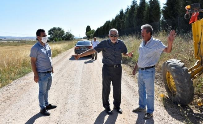 Başkan Bozkurt sıcak asfalt yol yapım çalışmalarını yerinde inceledi