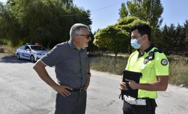 Başkan Bozkurt'tan polis uygulama noktasına ziyaret