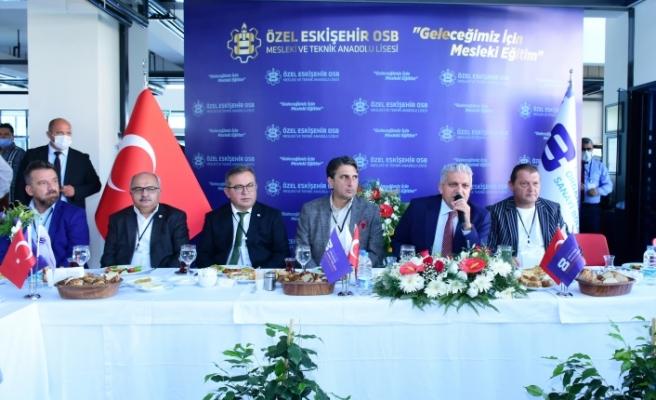 -Başkan Küpeli ve yönetimi 2.KOBİ-OSB'deki sanayiciler bir araya geldi