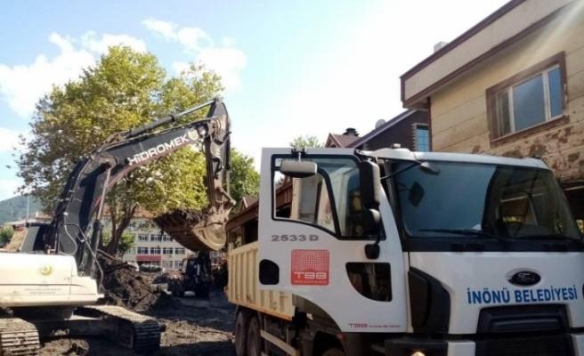 Batı Karadeniz'e, İnönü Belediyesi'nden personel ve ekipman desteği