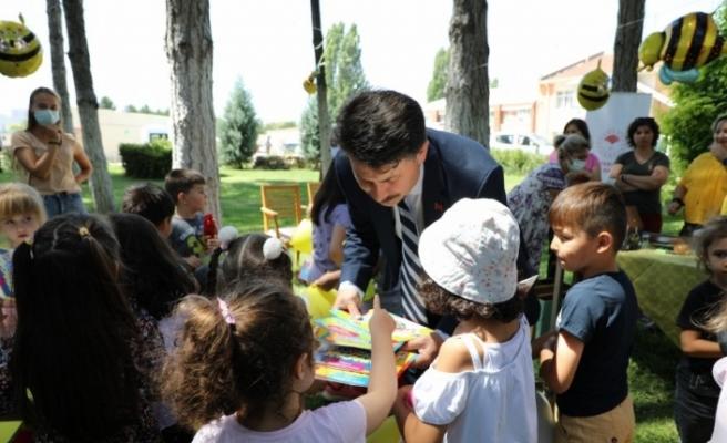 """Çocuklar ve arılar """"Bal Yapan Çocuklarımız"""" etkinliğinde buluştu"""