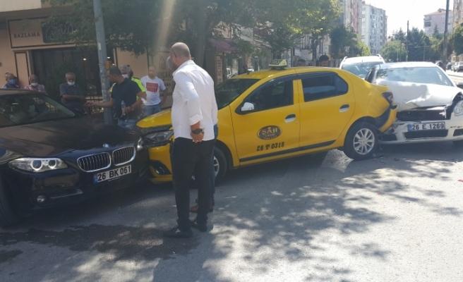 Eskişehir'de 3 araç çarpıştı