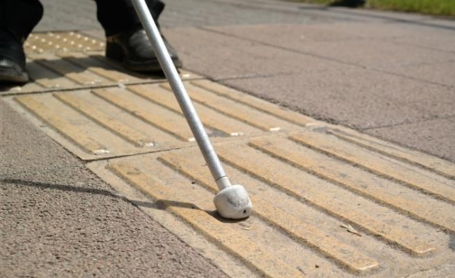 Eskişehir'de sarı çizgi sorunu görme engellileri mağdur ediyor