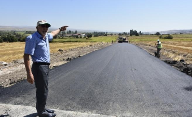 İnönü'nün o bölgesinde sıcak asfalt çalışmalarında sona yaklaşıldı
