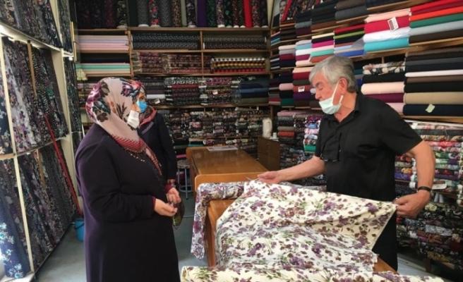Kalitesiz satılan hazır kıyafetler vatandaşı kumaşçılara yöneltti