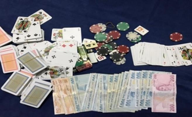 Kumar oynarken yakalananlara 260 bin lira ceza