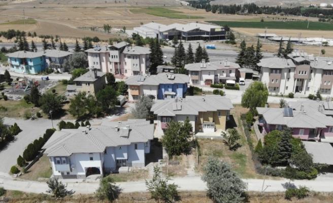 Çimento tozu ve kötü koku, mahallelileri isyan ettiriyor