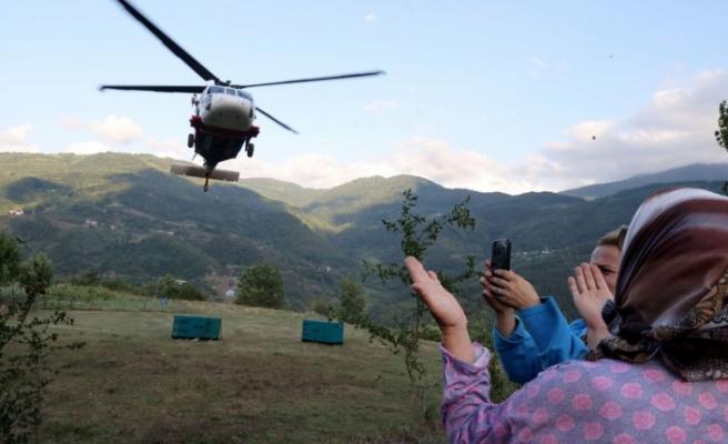 Türkiye'de ilk kez askeri helikopterle jeneratör nakledildi