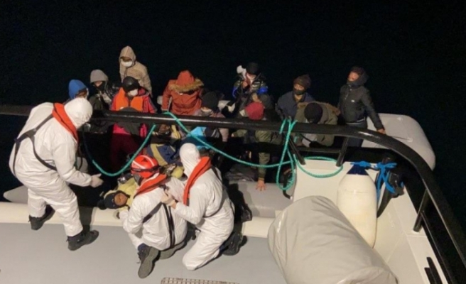 Yunanistan ölüme terk ediyor, Türk Sahil Güvenlik ekipleri kurtarıyor