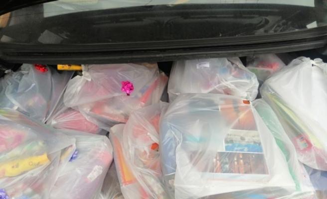 İhtiyaç sahibi çocuklar okul malzemelerine kavuştu