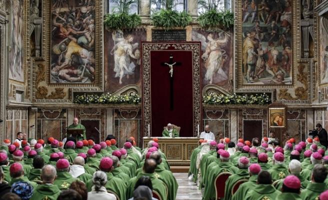 Çocuklara cinsel istismar skandalları Katolik Kilisesi'ni sarstı