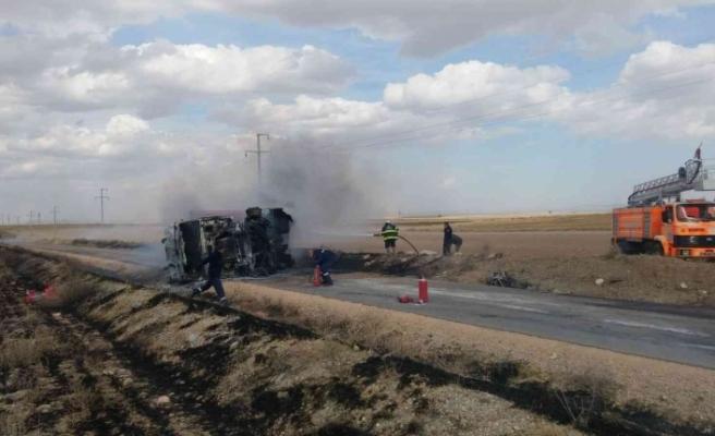 Eskişehir'de tır devrildi: 1 yaralı
