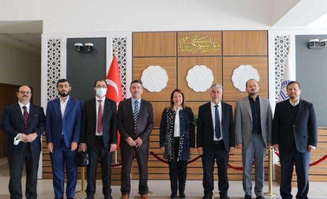 Milletvekili Emine Nur Günay Eğitim Merkezini Ziyaret Etti