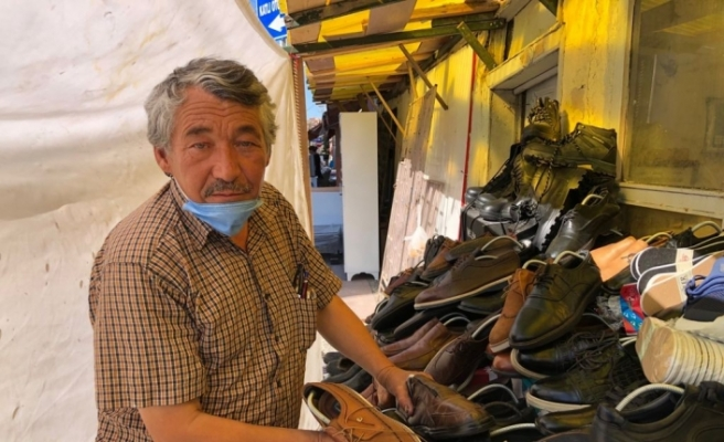 İkinci el ayakkabı satışı ile süren örnek hayat mücadelesi