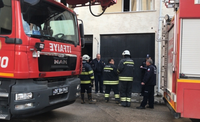 Eskişehir'de yangın: 7 kişi dumandan etkilendi