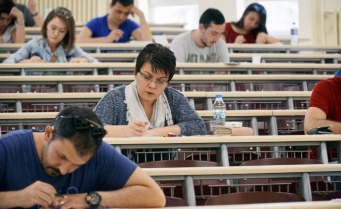 Açıköğretim'de ara sınav heyecanı 13-14 Nisan'da