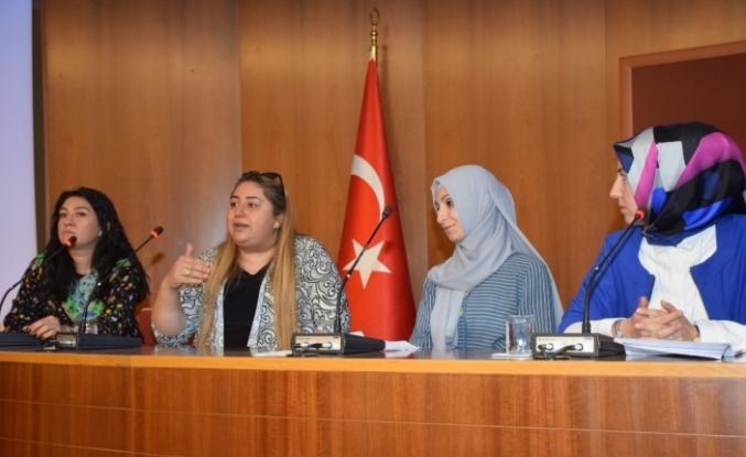 "Anadolu Üniversitesinde ""Cri Du Chat Sendromu"" konuşuldu"