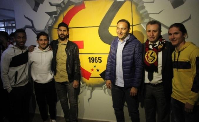Fuat Çapa ve Eskişehirsporlu futbolcular öğrencilerle buluştu