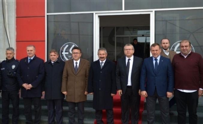 Emniyet Müdürü Dinç, Eskişehirspor Kulübü'nü ziyaret etti
