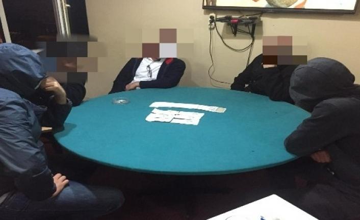 Kumar baskınında 16 kişiye 57 bin lira sosyal mesafe cezası